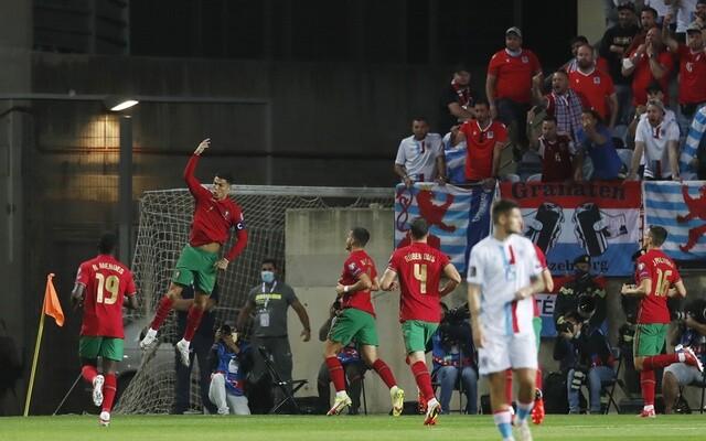 """""""โรนัลโด้""""แฮตทริกนำโปรตุเกสเฮคัดบอลโลกถล่ม5-0 ทีมชาติ"""